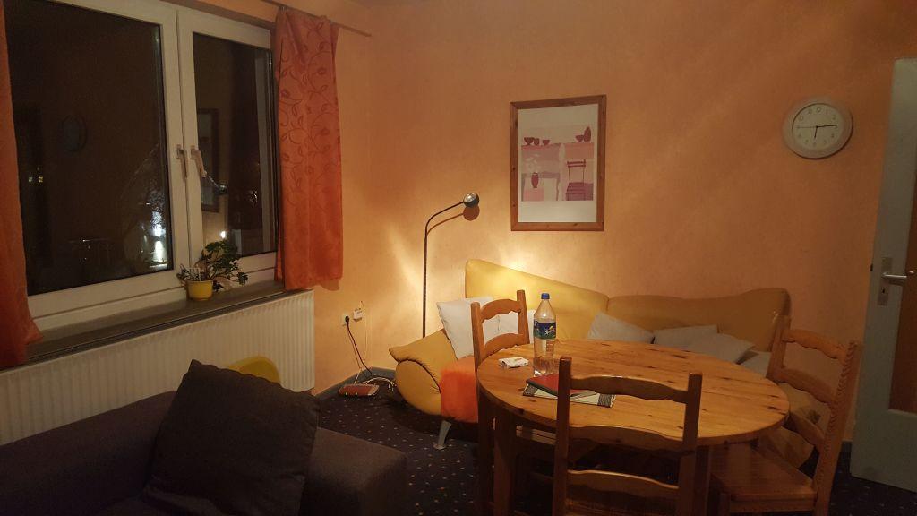 Esstisch Im Wohnzimmer Löwen Immobilien Hildesheim