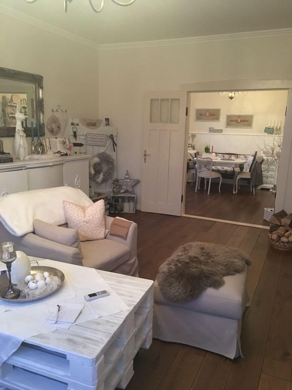 Wohnzimmer & Esszimmer
